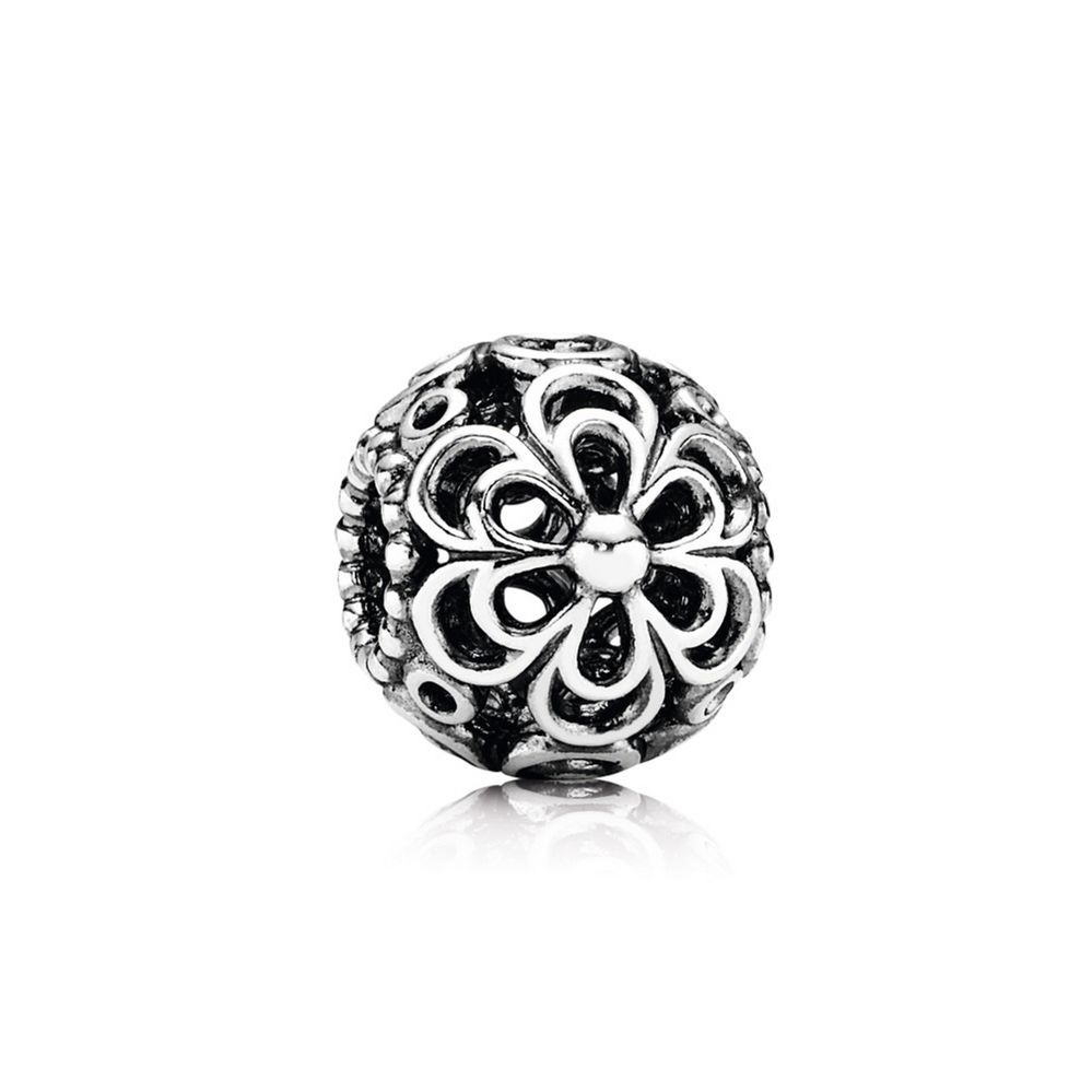 Pandora Picking Daisies Flower Charm 790965